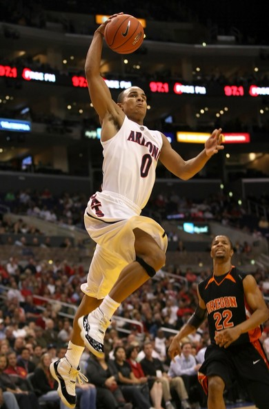 Jerryd Bayless wearing the Jordan 11 Concord (or DMP?) as an Arizona Wildcat.