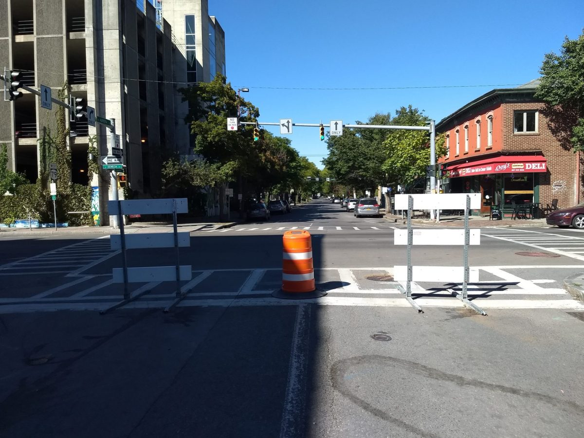 Light barriers at north edge of Streatery