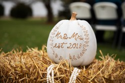Fall wedding decor at outdoor country wedding in Kasson MN by MN Wedding Photographer Nicki Joachim Photography of Owatonna Minnesota