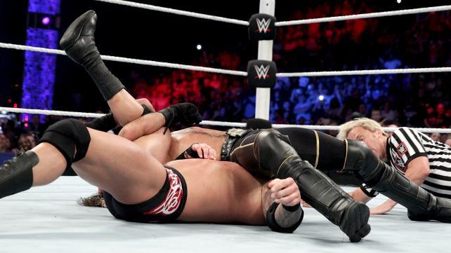 WWE Seth Rollins pin