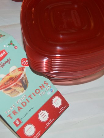 Rubbermaid TakeAlongs Holiday Pack