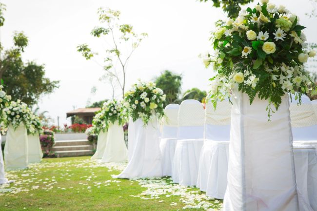 Six Steps to Help Make Your Outdoors Wedding Stress-Free