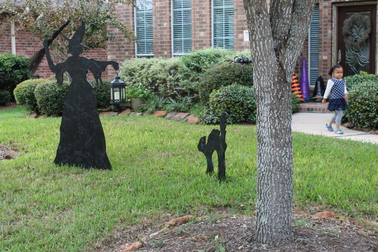 yard witch