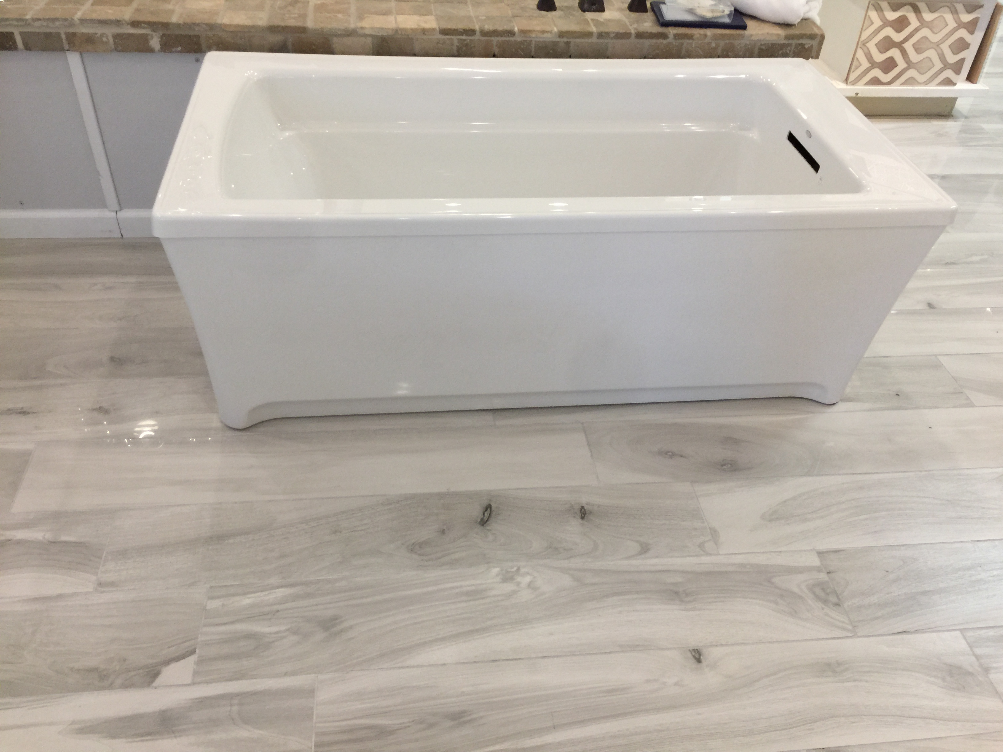 Kohler Free Standing White Archer Tub – Nicklas Supply