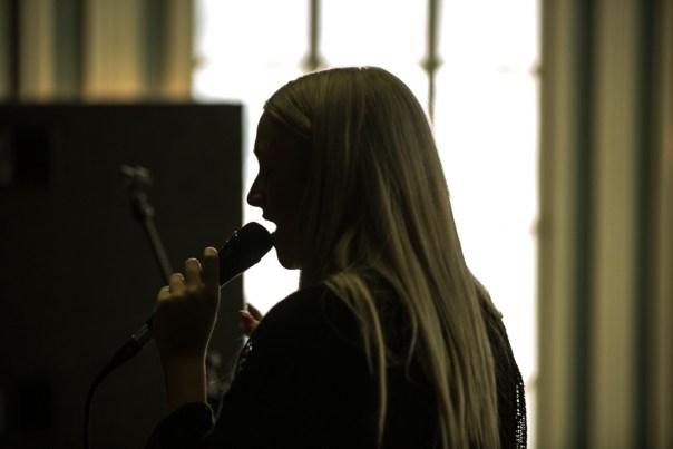 Hildur sings during the soundcheck