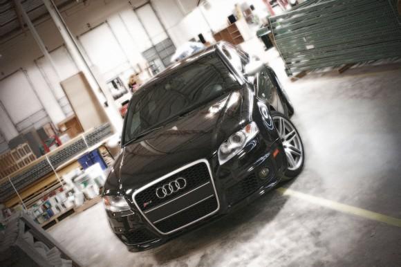 Black Audi RS4