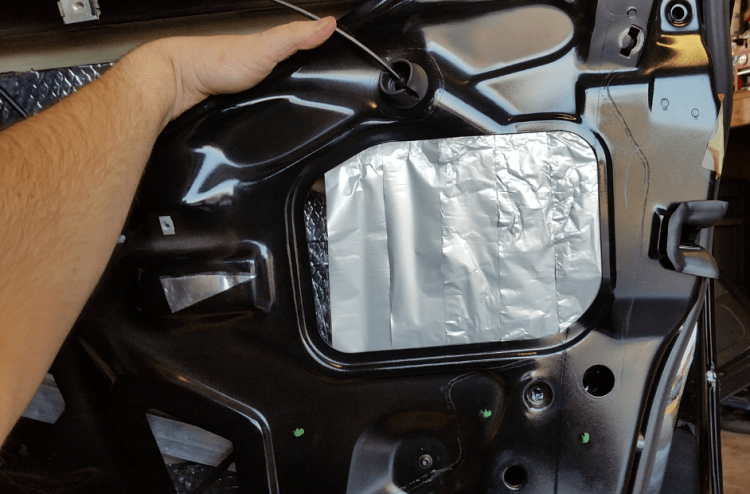 apply-auto-body-tape-to-the-inside