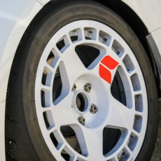 18×9 Fifteen52 Turbomac Wheels