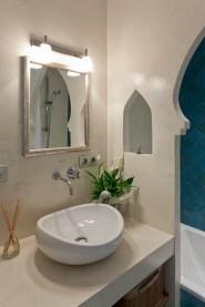 Bowl style bathroom sink