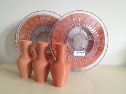Materiale e ricerca condotta sul tipo di filamento sono ad opera di Filoalfa di Cassinetta di Lugagnano (Mi).
