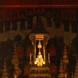 Bouddha d'Emeraude e très loin !