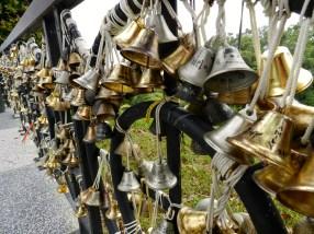 Ici, pas de cadenas, mais des clochettes !