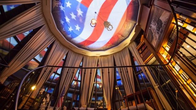 europa-park_hotel_bell-rock_johnfkennedy-suite-leuchtturm5