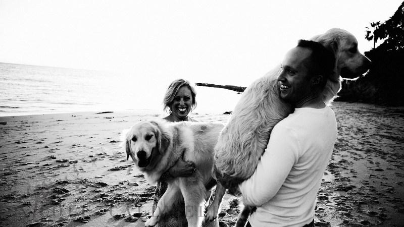 laguna_beach_photographer_nicole_caldwell_photo_family_beacfh_dogs-015016