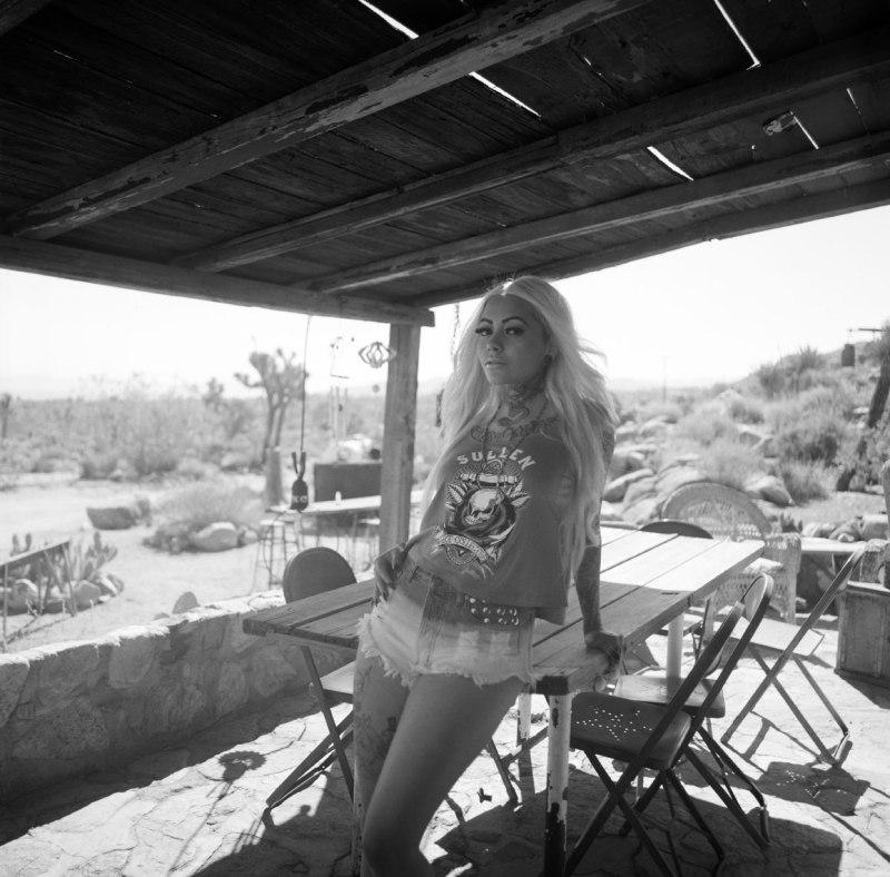 film_fashion_photographer_nicole_caldwell_hasselbald_sullen_clothing_022