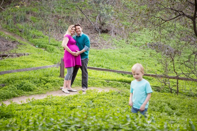 maternity photos in the park by oc photographer nicole caldwell 12