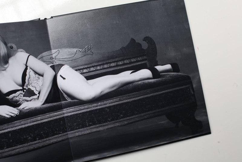 boudoir_album_grooms_gift_nicole_caldwell_studio_003