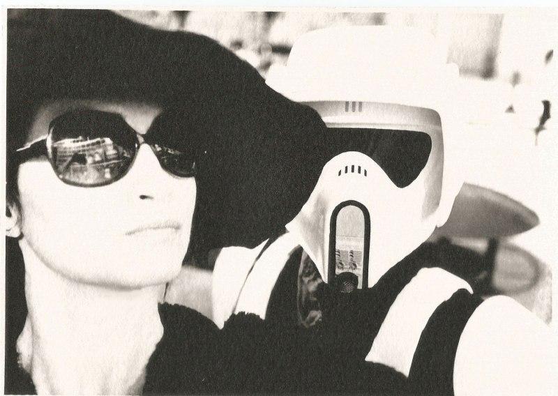 marla-singer-tourist-selfies-star-wars-celebrations-anaheim