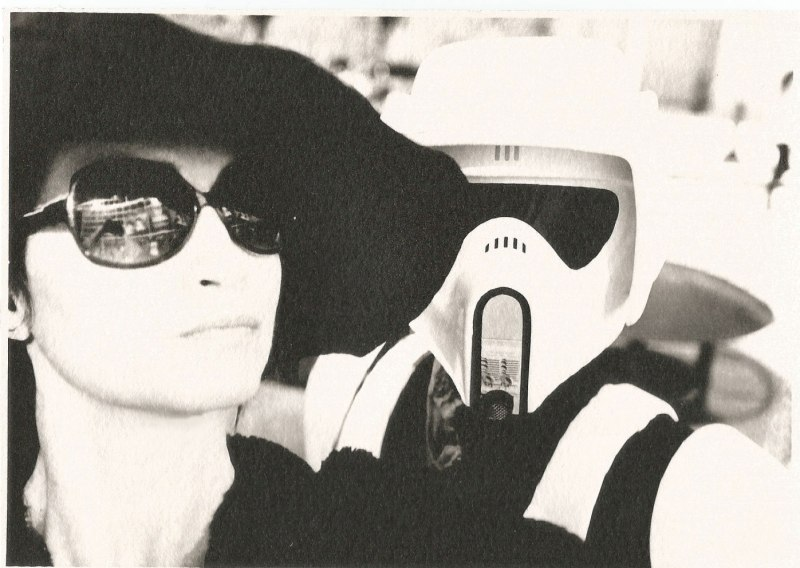 marla-singer-tourist-selfies-star-wars-celebrations-anaheim