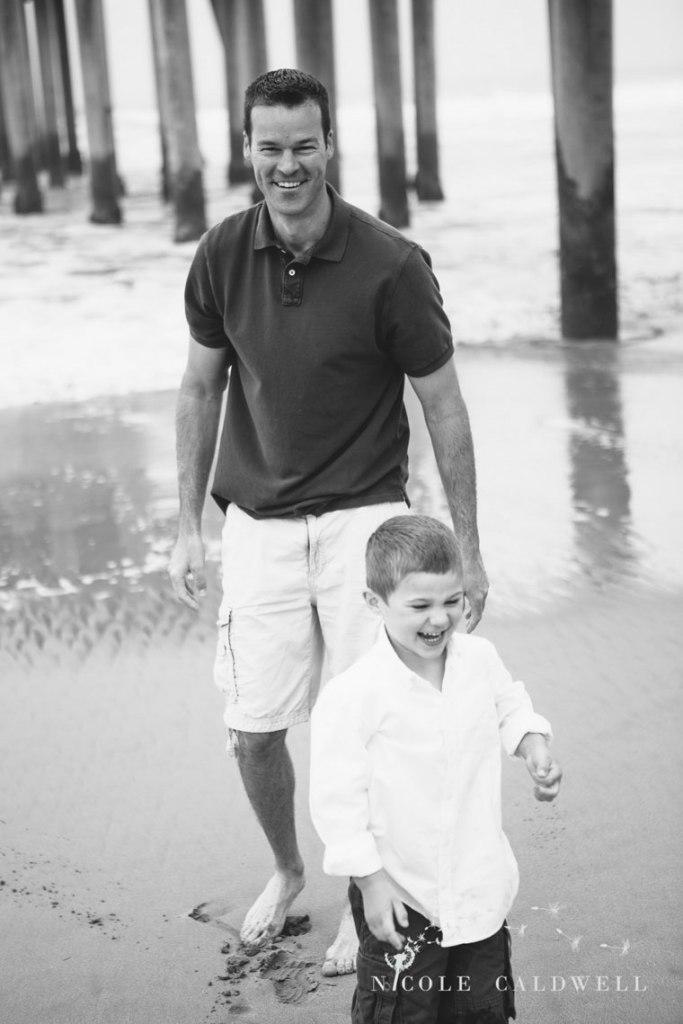 Huntinton_beach_pier_locations_for_family_photographs_nicole_caldwell_studio08