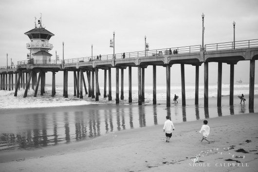 Huntinton_beach_pier_locations_for_family_photographs_nicole_caldwell_studio17