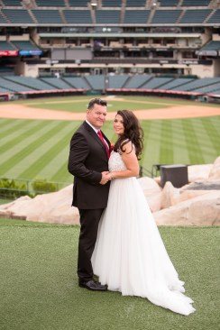 angels stadium of anaheim wedding venue 26