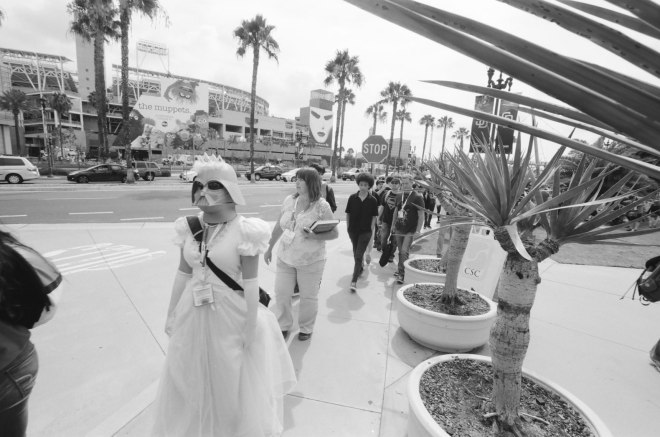 comic-con-san-diego-black-and-white-film-photographs-Nicole-Caldwell-05