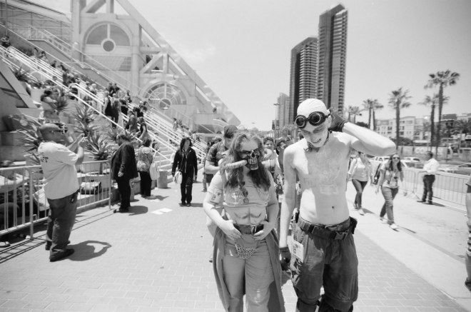 comic-con-san-diego-black-and-white-film-photographs-Nicole-Caldwell-a13