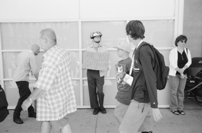 comic-con-san-diego-black-and-white-film-photographs-Nicole-Caldwell-a14