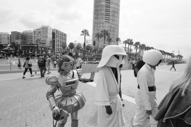 comic-con-san-diego-black-and-white-film-photographs-Nicole-Caldwell-a17