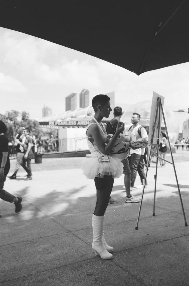 comic-con-san-diego-black-and-white-film-photographs-Nicole-Caldwell-a22