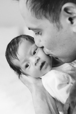 newborn-photography-in-the-home-by-nicole-caldwell-06