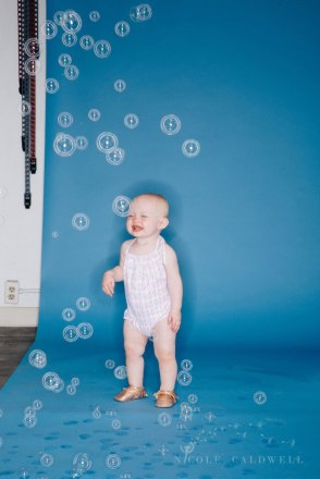 bright-colored-backdrop-studio-family-photo-ideas-nicole-caldwell-07
