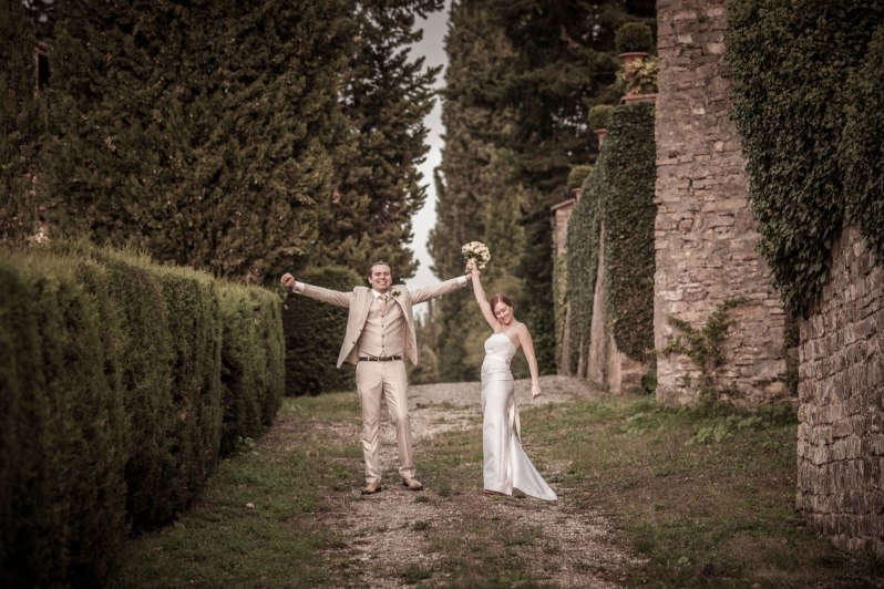 Tuscany_wedding_italy_destination_photographer_nicole_caldwell26