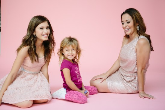 mother daughter portraits photography studio pink backdrop 09