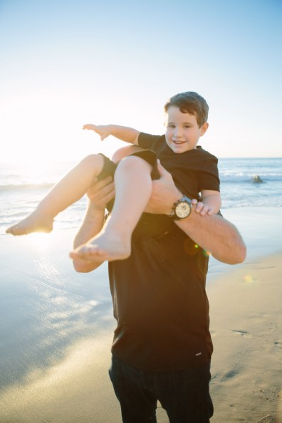 family beach photographer laguna beach crystal cove nicole caldwell12