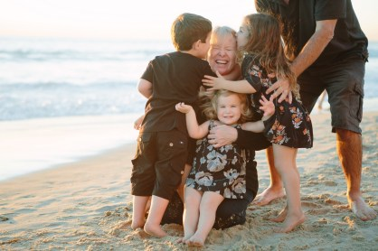 family beach photographer laguna beach crystal cove nicole caldwell31