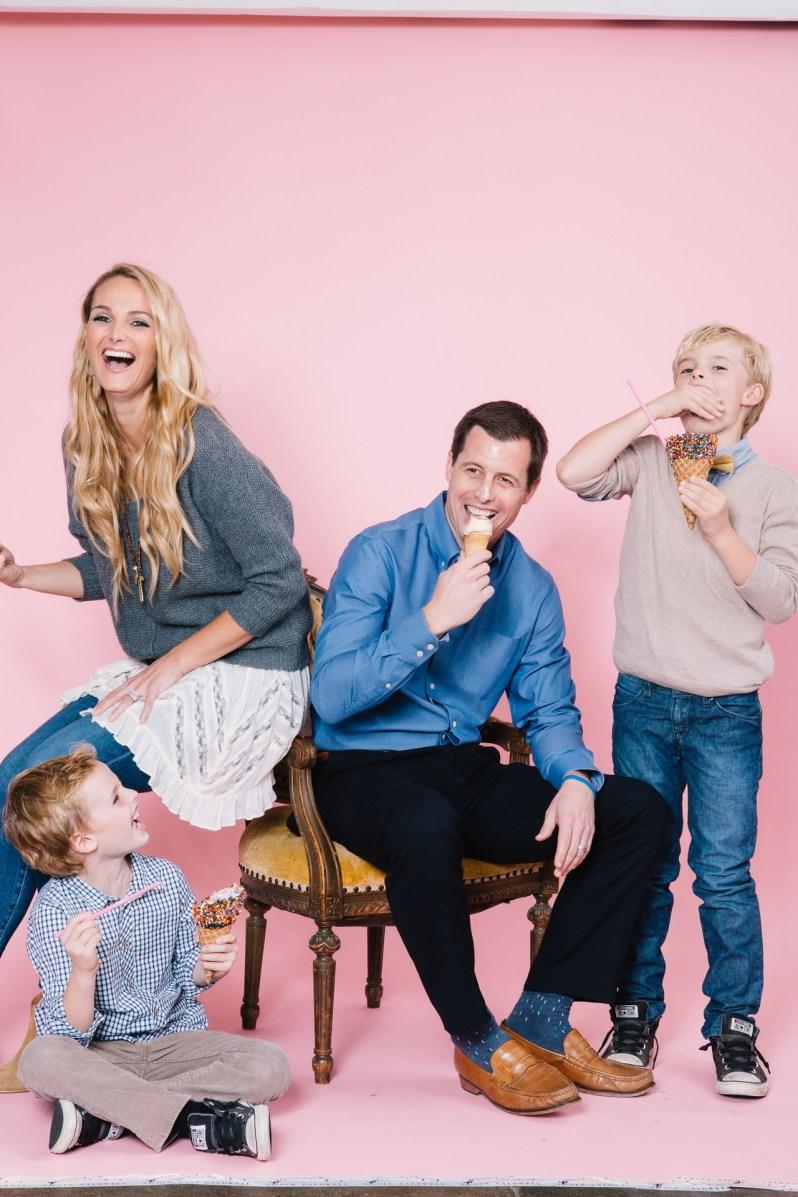 fun different family photos ice cream studio photographs nicole caldwell 03