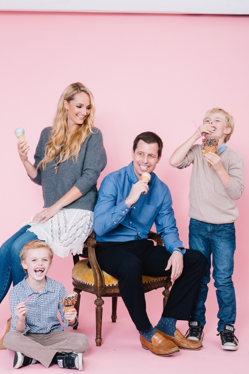 fun different family photos ice cream studio photographs nicole caldwell 04