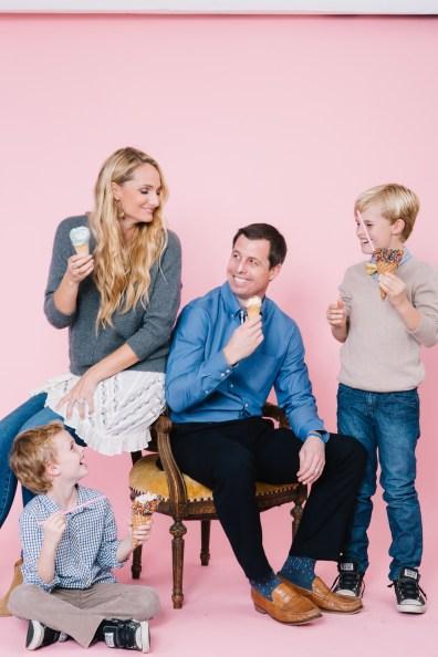 fun different family photos ice cream studio photographs nicole caldwell 05