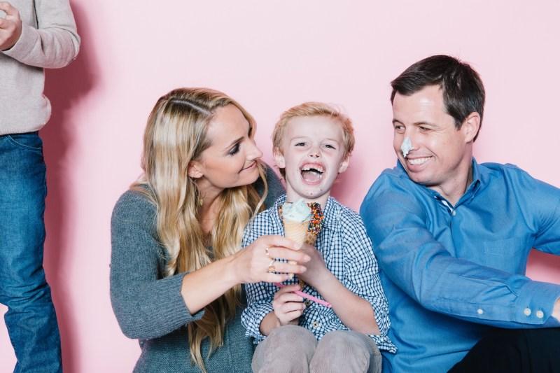 fun different family photos ice cream studio photographs nicole caldwell 13