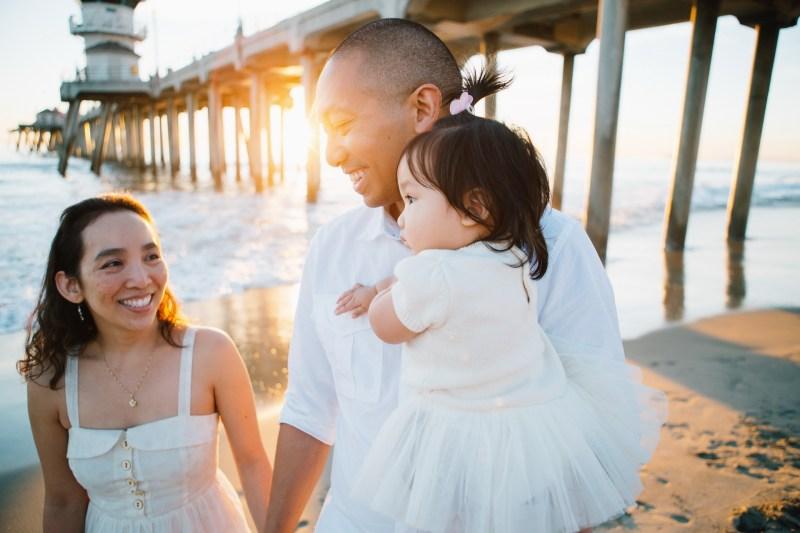 huntington beach pier family photos nicole caldwell 25