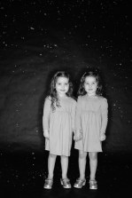 photos of twins in studio 02