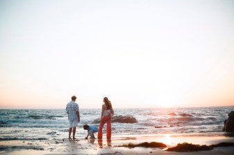 cystal_cove_laguna_beach_family_photogarpher_nicole_caldwell_studio72