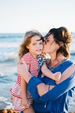 family_photography_laguna_beach_crystal_cove_nicole_caldwell06