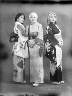 3 generations portrait traditional japanese kimono