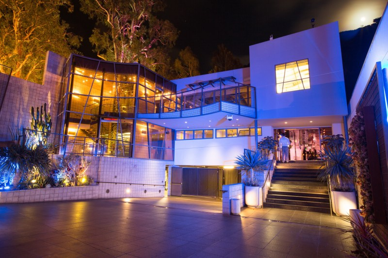 seven degrees wedding laguna beach photographer nicole caldwell oustide at night