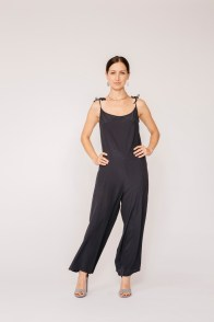 e commerce fashion photographer los angeles nicole caldwell studio 11