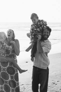 family photographer san clemente pier nicole caldwell 04