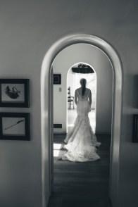 casa romantica san clemente wedding photographer artistic bride walking